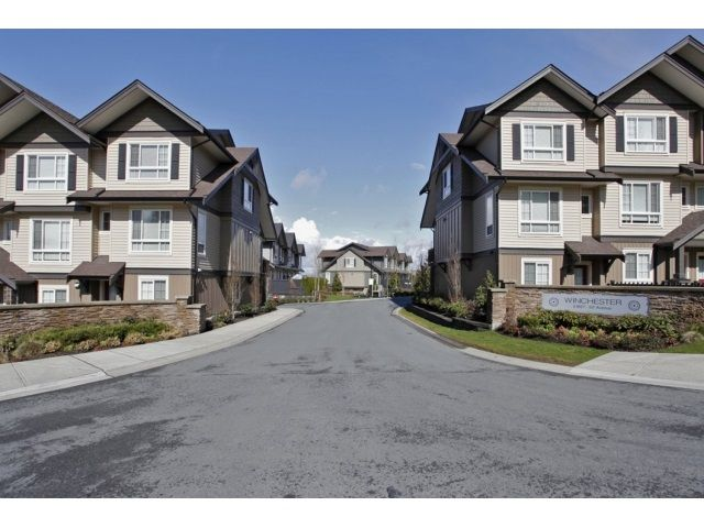 """Main Photo: 20 21867 50 Avenue in Langley: Murrayville Townhouse for sale in """"WINCHESTER"""" : MLS®# R2039227"""