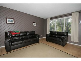 Photo 3: 235 RUNDLECAIRN Road NE in CALGARY: Rundle Residential Detached Single Family for sale (Calgary)  : MLS®# C3636515