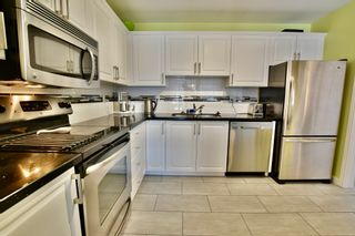 """Photo 5: 312 1840 E SOUTHMERE Crescent in Surrey: Sunnyside Park Surrey Condo for sale in """"SOUTHMERE MEWS WEST"""" (South Surrey White Rock)  : MLS®# R2443327"""