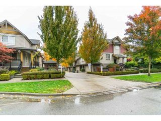 """Photo 2: 42 16789 60 Avenue in Surrey: Cloverdale BC Townhouse for sale in """"Laredo"""" (Cloverdale)  : MLS®# R2414492"""