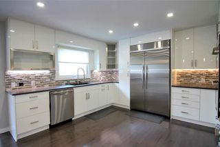 Photo 3: 47 Canyon Drive NW in Calgary: Collingwood Detached for sale : MLS®# A1095882