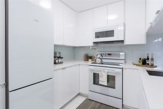 """Photo 5: 103 929 W 16TH Avenue in Vancouver: Fairview VW Condo for sale in """"Oakview Gardens"""" (Vancouver West)  : MLS®# R2369711"""