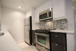 """Photo 5: 508 1009 EXPO Boulevard in Vancouver: Yaletown Condo for sale in """"Landmark 33"""" (Vancouver West)  : MLS®# R2022624"""