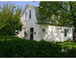 Photo 1: 477 BROOKLYN Street in WINNIPEG: St James Residential for sale (West Winnipeg)  : MLS®# 2818059