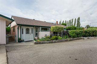 "Photo 2: 21710 48A Avenue in Langley: Murrayville House for sale in ""Murrayville"" : MLS®# R2399243"