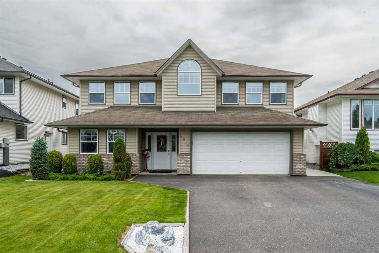 Main Photo: 6879 CHARTWELL Crescent in Prince George: Lafreniere House for sale (PG City South (Zone 74))  : MLS®# R2476122