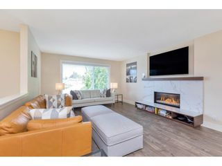 """Photo 2: 2216 DURHAM Place in Abbotsford: Abbotsford East House for sale in """"Everett Area"""" : MLS®# R2584867"""