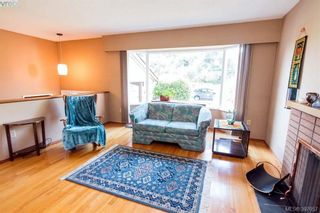 Photo 2: 1741 Garnet Rd in VICTORIA: SE Mt Tolmie House for sale (Saanich East)  : MLS®# 794242