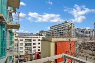 """Photo 13: 810 88 W 1ST Avenue in Vancouver: False Creek Condo for sale in """"THE ONE"""" (Vancouver West)  : MLS®# R2545345"""