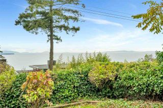 """Photo 6: 14887 HARDIE Avenue: White Rock House for sale in """"White Rock"""" (South Surrey White Rock)  : MLS®# R2509233"""