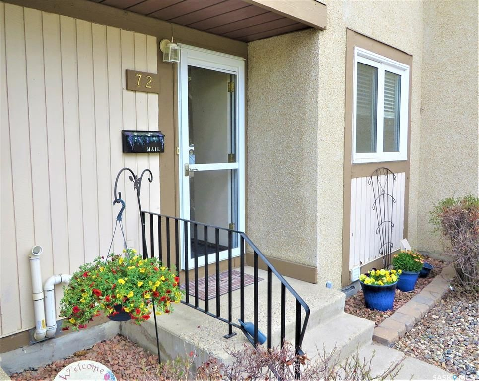 Main Photo: 72 1128 McKercher Drive in Saskatoon: Wildwood Residential for sale : MLS®# SK850396