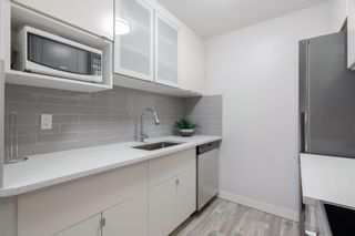 """Photo 3: 149 200 WESTHILL Place in Port Moody: College Park PM Condo for sale in """"WESTHILL PLACE"""" : MLS®# R2608316"""