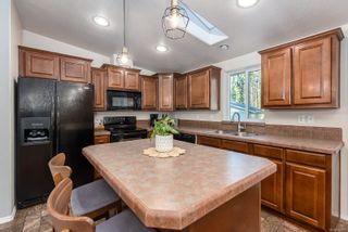 Photo 3: 1888 Bates Rd in : CV Comox Peninsula House for sale (Comox Valley)  : MLS®# 865910