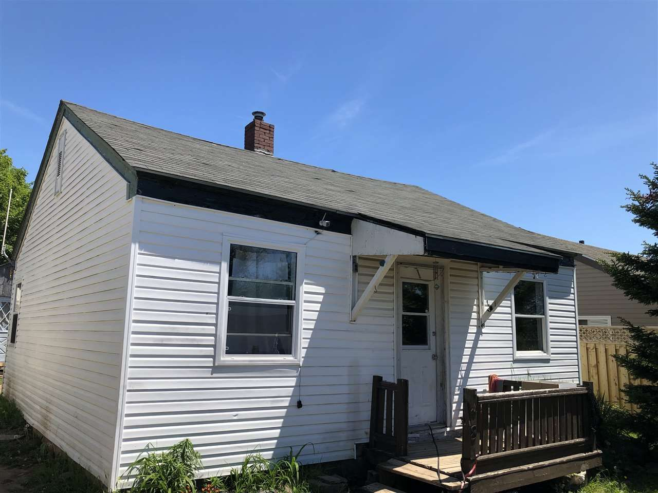Main Photo: 58 CEDAR Street in Pictou: 107-Trenton,Westville,Pictou Residential for sale (Northern Region)  : MLS®# 202012011