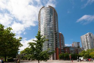 """Photo 3: 2207 58 KEEFER Place in Vancouver: Downtown VW Condo for sale in """"Firenze"""" (Vancouver West)  : MLS®# R2581029"""