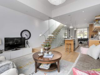 """Photo 7: 1887 W 2ND Avenue in Vancouver: Kitsilano Townhouse for sale in """"Blanc"""" (Vancouver West)  : MLS®# R2164681"""