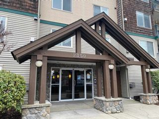 """Photo 2: 103 2350 WESTERLY Street in Abbotsford: Abbotsford West Condo for sale in """"STONECRAFT ESTATES"""" : MLS®# R2553689"""