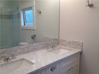 Photo 8: 252 E 10TH ST in North Vancouver: Central Lonsdale Condo for sale : MLS®# V1028207