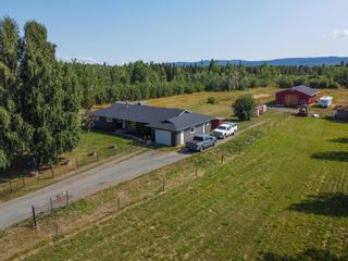"""Photo 1: 9480 ELLIS Road in Prince George: Pineview House for sale in """"AIRPORT"""" (PG Rural South (Zone 78))  : MLS®# R2610459"""