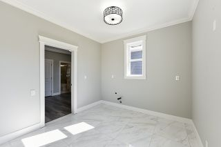 Photo 10: 5351 CHESHAM Avenue in Burnaby: Central Park BS 1/2 Duplex for sale (Burnaby South)  : MLS®# R2417757