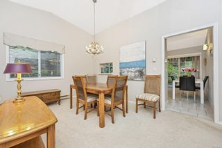 Photo 8: 1670 Barrett Dr in North Saanich: NS Dean Park House for sale : MLS®# 886499