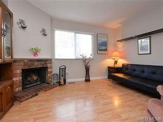 Photo 2: 3025 Metchosin Rd in VICTORIA: Co Hatley Park Half Duplex for sale (Colwood)  : MLS®# 717942