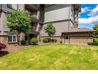 """Photo 32: 106 2068 SANDALWOOD Crescent in Abbotsford: Central Abbotsford Condo for sale in """"The Sterling"""" : MLS®# R2590932"""
