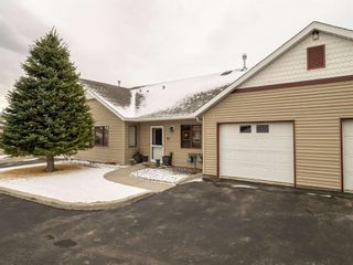 Photo 2: 32 500 Adelaide Crescent: Pincher Creek Row/Townhouse for sale : MLS®# A1092864