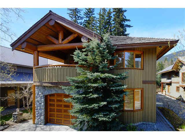 """Main Photo: 8109 MUIRFIELD Crescent in Whistler: Green Lake Estates House for sale in """"GREEN LAKE ESTATES, NICKLAUS NORTH"""" : MLS®# V1121748"""
