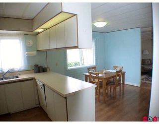 """Photo 3: 184 3665 244TH Street in Langley: Otter District Manufactured Home for sale in """"LANGLEY GROVE ESTATES"""" : MLS®# F1003706"""