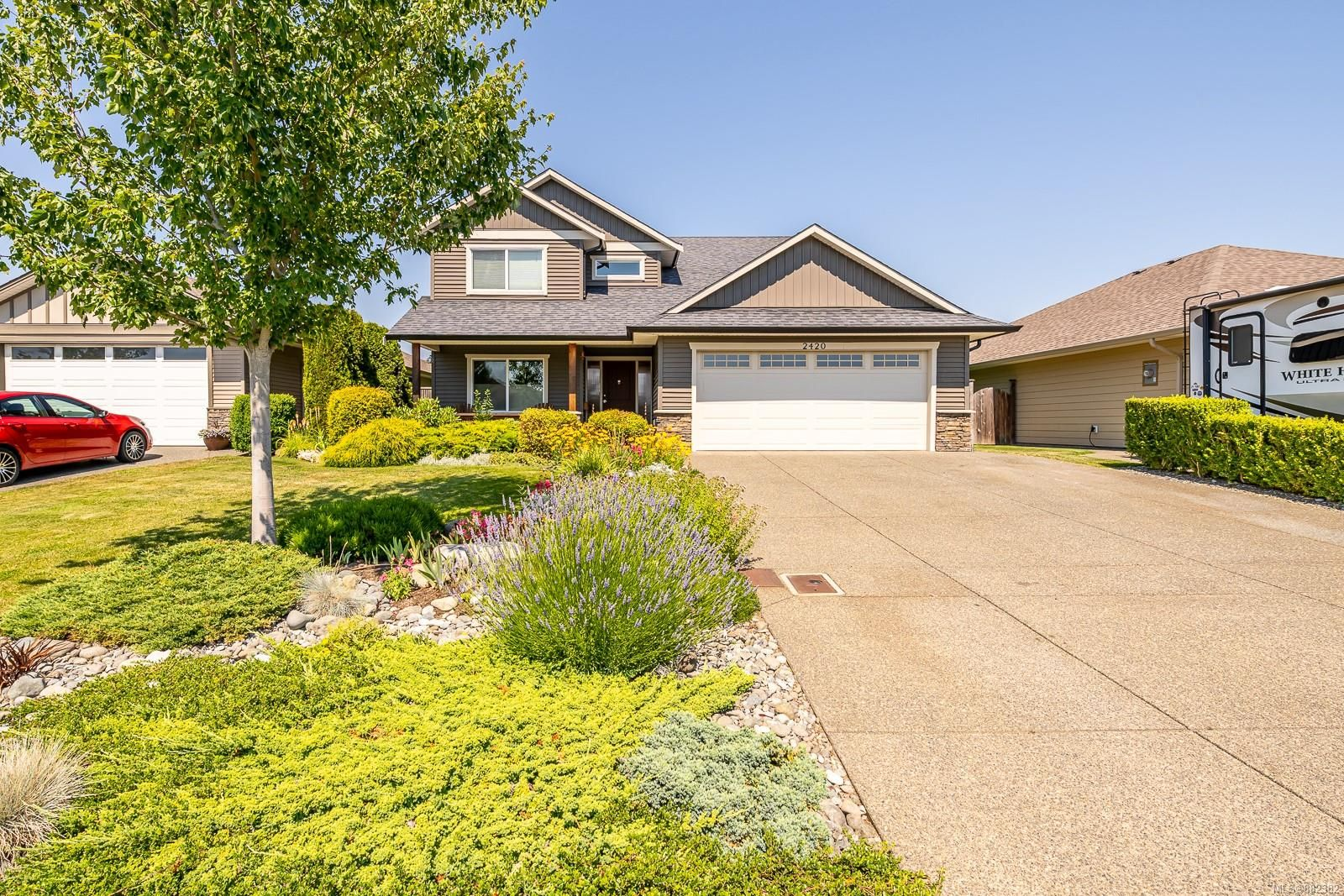 Main Photo: 2420 Avro Arrow Dr in : CV Comox (Town of) House for sale (Comox Valley)  : MLS®# 882382