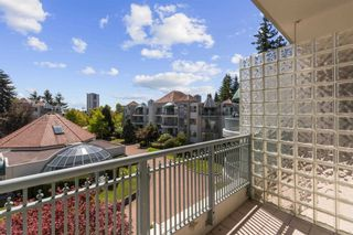 """Photo 15: 408 1745 MARTIN Drive in Surrey: Sunnyside Park Surrey Condo for sale in """"Southwynd"""" (South Surrey White Rock)  : MLS®# R2604162"""