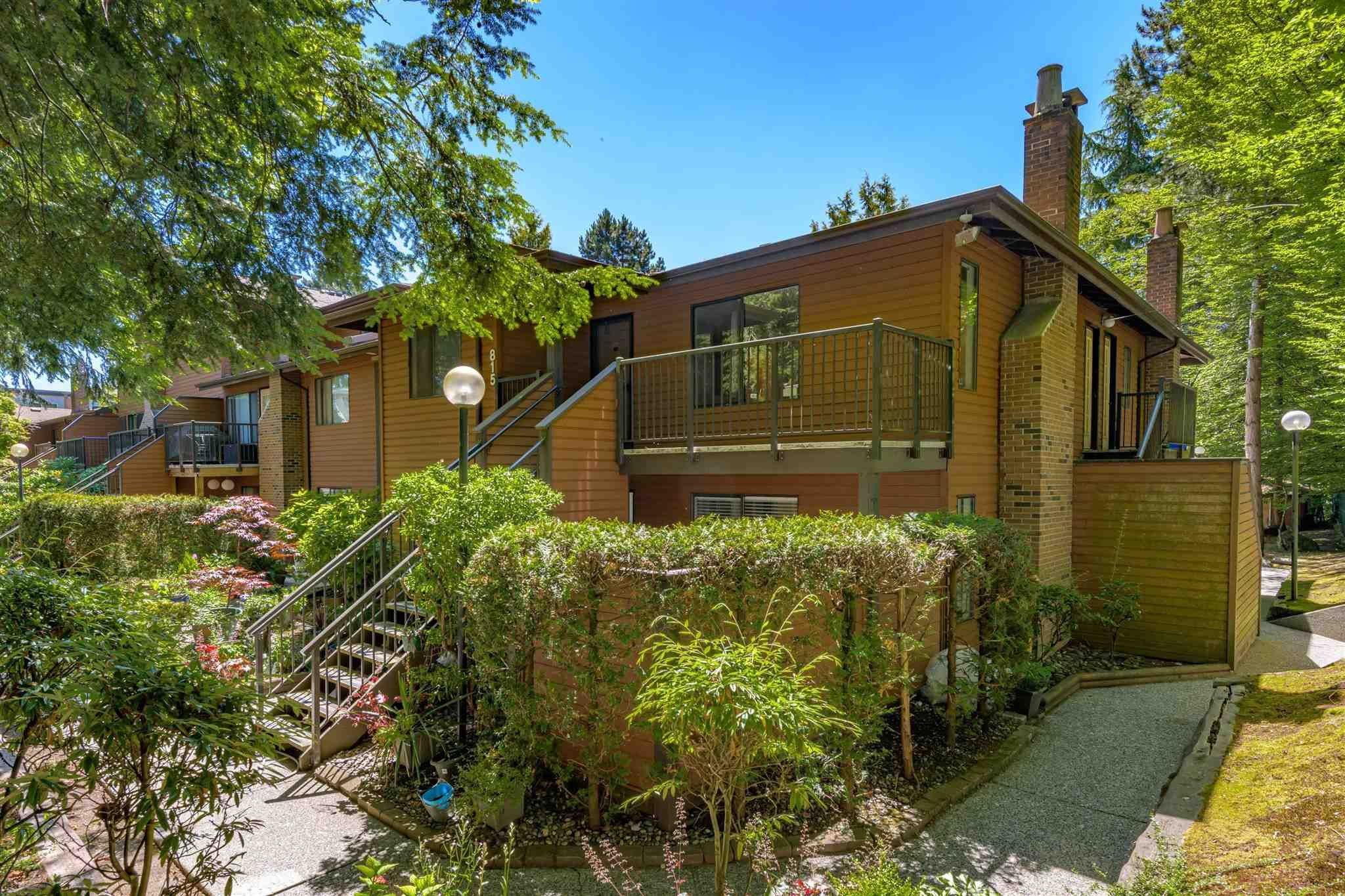 """Main Photo: 815 10620 150 Street in Surrey: Guildford Townhouse for sale in """"LINCOLN GATE"""" (North Surrey)  : MLS®# R2596025"""