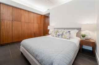 """Photo 7: 607 33 W PENDER Street in Vancouver: Downtown VW Condo for sale in """"33 LIVING"""" (Vancouver West)  : MLS®# R2572054"""