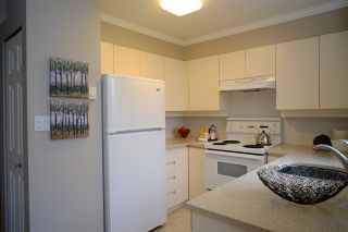 """Photo 4: 404 2189 W 42ND Avenue in Vancouver: Kerrisdale Condo for sale in """"Governor Point"""" (Vancouver West)  : MLS®# R2112248"""