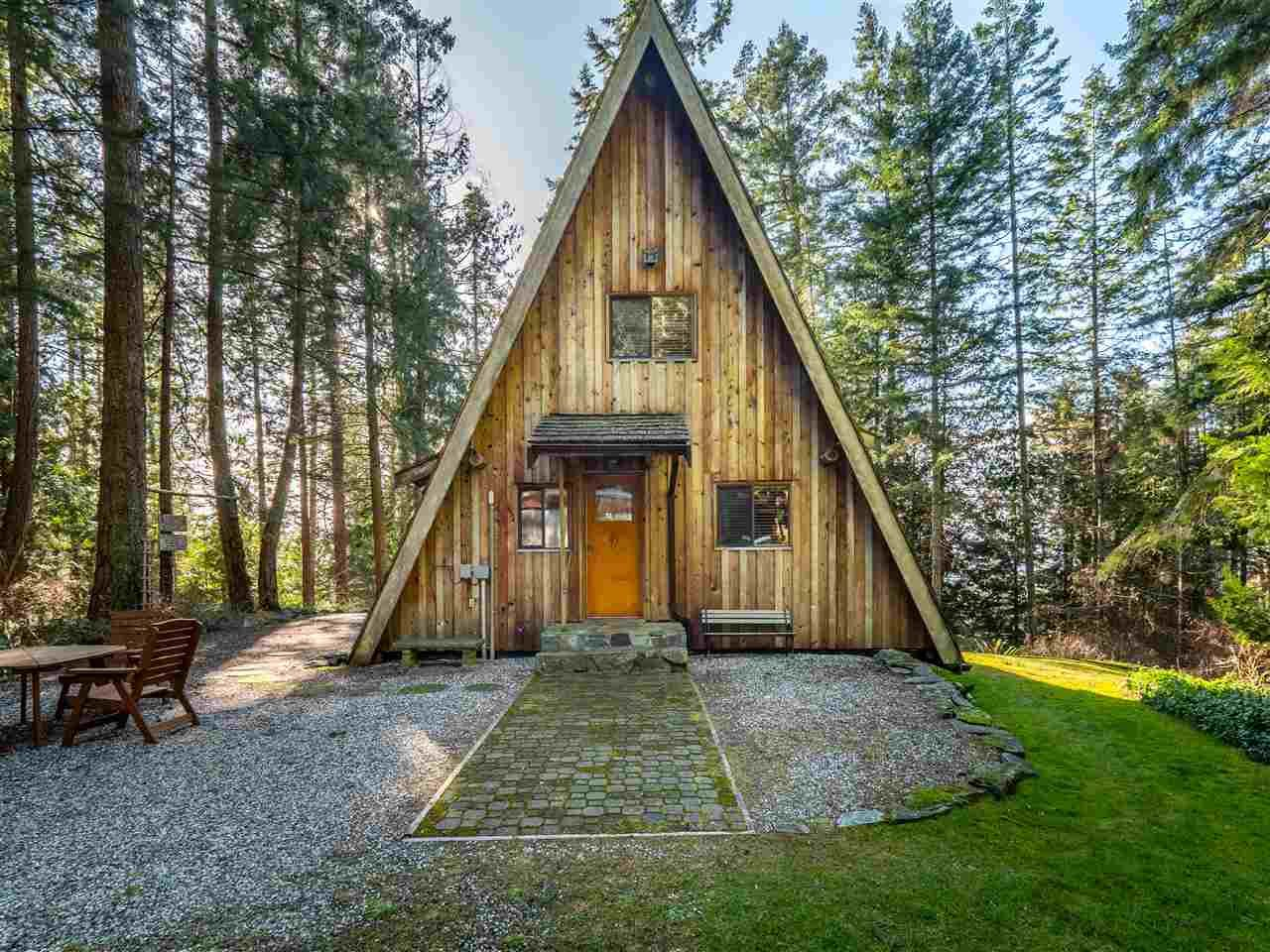 Main Photo: 8484 REDROOFFS Road in Halfmoon Bay: Halfmn Bay Secret Cv Redroofs House for sale (Sunshine Coast)  : MLS®# R2545137