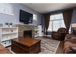 """Photo 4: 43 14377 60 Avenue in Surrey: Sullivan Station Townhouse for sale in """"Blume"""" : MLS®# R2097452"""
