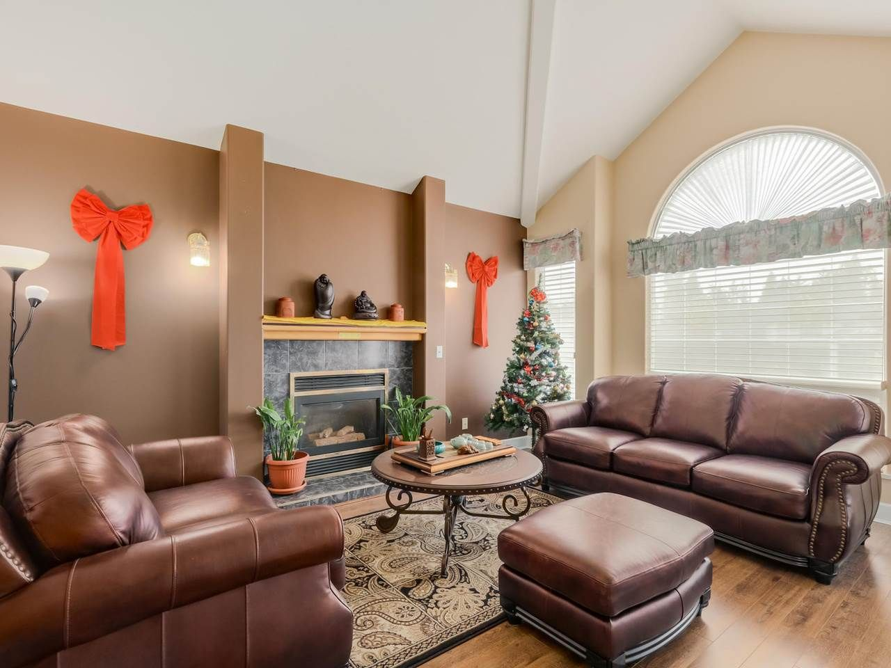 """Photo 4: Photos: 8238 149 Street in Surrey: Bear Creek Green Timbers House for sale in """"SHAUGHNESSY"""" : MLS®# R2078750"""