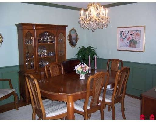 """Photo 4: Photos: 13253 AMBLE GREENE Court in White_Rock: Crescent Bch Ocean Pk. House for sale in """"Amble Greene"""" (South Surrey White Rock)  : MLS®# F2800291"""
