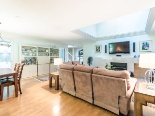 """Photo 4: 3750 NICO WYND Drive in Surrey: Elgin Chantrell Townhouse for sale in """"NICO WYND ESTATES"""" (South Surrey White Rock)  : MLS®# R2604954"""
