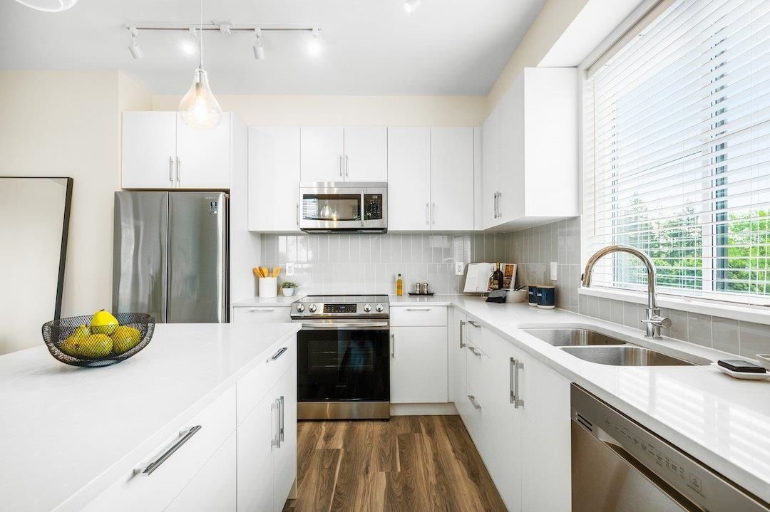 """Photo 2: Photos: 107 20356 72B Avenue in Langley: Langley City Condo for sale in """"Gala"""" : MLS®# R2592322"""