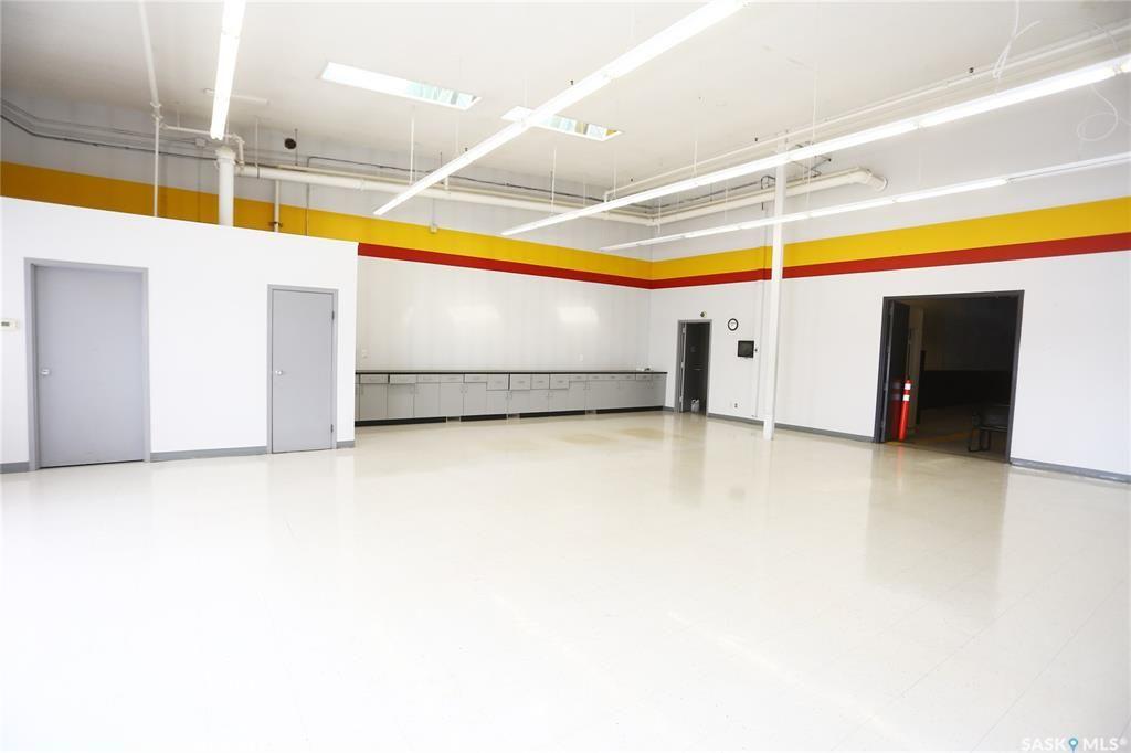 Photo 9: Photos: 2215 Faithfull Avenue in Saskatoon: North Industrial SA Commercial for sale : MLS®# SK852914