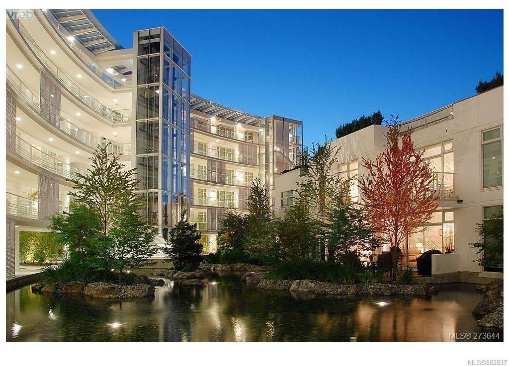 Main Photo: 206 68 Songhees Rd in : VW Songhees Condo for sale (Victoria West)  : MLS®# 882837