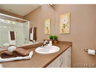 Photo 7: 3211 Ernhill Pl in VICTORIA: La Walfred Row/Townhouse for sale (Langford)  : MLS®# 590123