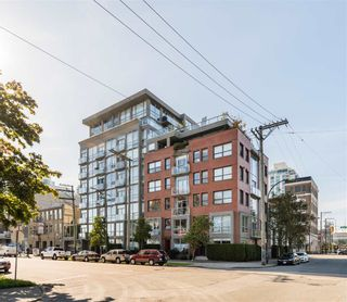 """Photo 1: 202 919 STATION Street in Vancouver: Strathcona Condo for sale in """"Left Bank"""" (Vancouver East)  : MLS®# R2413251"""