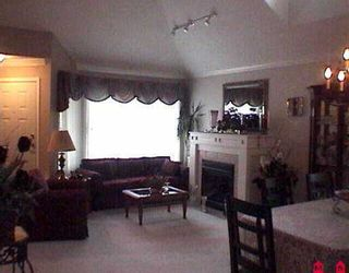 """Photo 6: 102 16995 64TH AV in Surrey: Cloverdale BC Townhouse for sale in """"The Lexinton"""" (Cloverdale)  : MLS®# F2524403"""