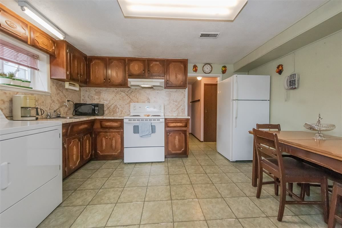 Photo 12: Photos: 3875 LILLOOET Street in Vancouver: Renfrew Heights House for sale (Vancouver East)  : MLS®# R2375620