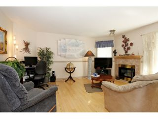 """Photo 6: 105 20240 54A Avenue in Langley: Langley City Condo for sale in """"Arbutus Court"""" : MLS®# F1315776"""