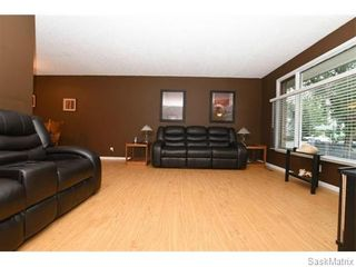Photo 5: 1026 DOROTHY Street in Regina: Normanview West Single Family Dwelling for sale (Regina Area 02)  : MLS®# 544219