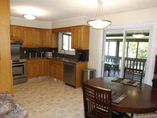 Photo 6: 676 Community Row in WINNIPEG: Charleswood Residential for sale (South Winnipeg)  : MLS®# 1513741